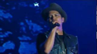 Bruno Mars - Talking To The Moon (Live in Floripa, Brazil - Summer Soul Festival)