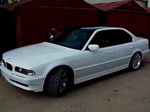 BMW E38 White