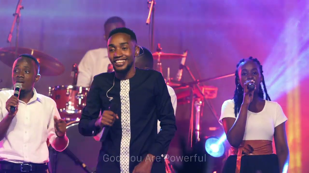 Download PAUL CLEMENT_ULINAMAKA ( OFFICIAL LIVE RECORDING VIDEO)