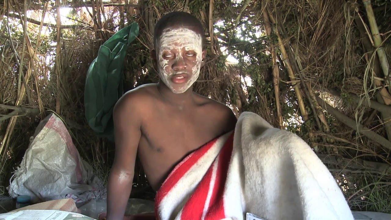 Download Ndiyindoda Trailer