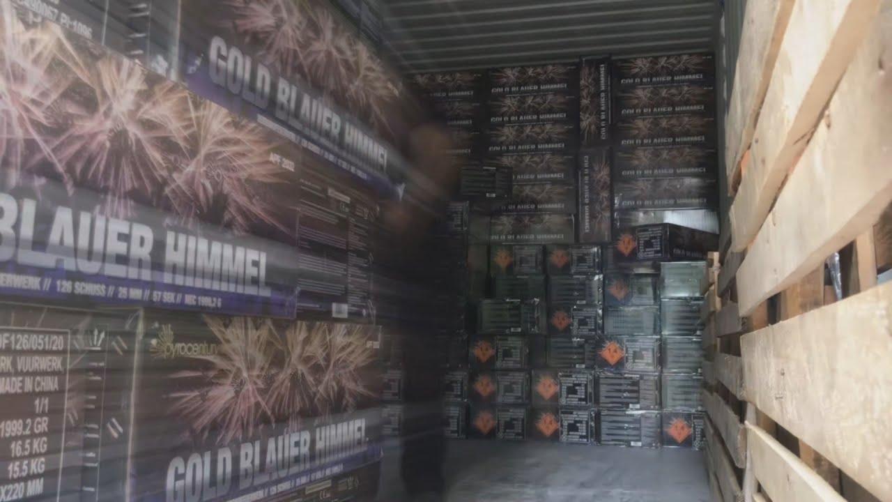 Ik heb een vrachtwagen vol vuurwerk besteld bij VUURWERKDUITSLAND.COM voor oud en nieuw 2021 - 2022