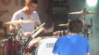 """LIQUID CONFIDENCE"" -YOU ME AT SIX- *LIVE HD* NORWICH UEA LCR 19/3/10"