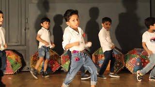 Video Badri Ki Dulhania | Toddlers - Kids Dance | Deepak Tulsyan Choreography | Bollywood Dance download MP3, 3GP, MP4, WEBM, AVI, FLV Maret 2018
