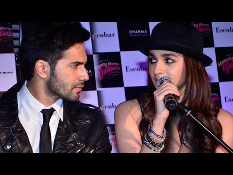 Check Out The Chemistry Of Alia Bhatt, Varun Dhawan Singing LIVE Mp3
