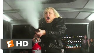 Gambar cover Pitch Perfect 3 (2017) - Fat Amy Saves the Day Scene (9/10) | Movieclips