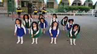 استعراض  ( كف عاليمين كف عالشمال )عن الرياضة ( يوم الرياضي الفلسطيني ) تدريب المعلمة  أنسام مهنا