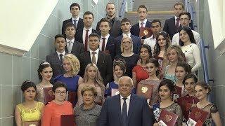 Вручение золотых медалей выпускникам школ и дипломов с отличием выпускникам ЛПК. 2018.06.23