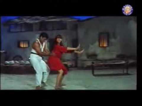 Sarkay Liyo Khatiya Karishma & Govinda