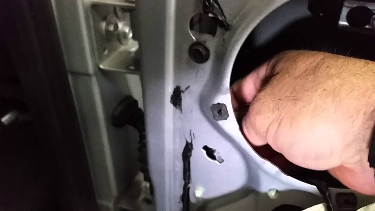 2002 Dodge truck crew cab rear door won't open - YouTube
