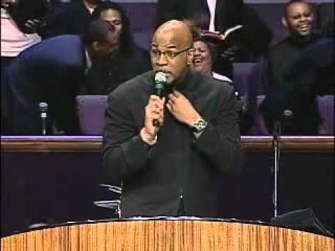 Bishop Lester Love sings Luther Vandross