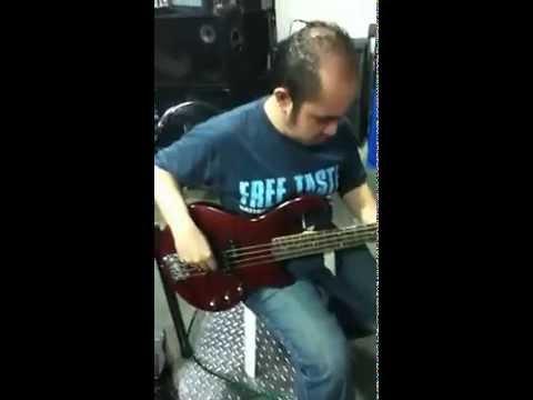 testing godin bass at perfect pitch music store.mp4