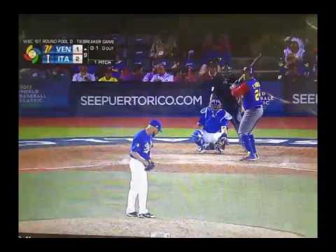 Miguel Cabrera Home Run ties Venezuela with Italy in 9th