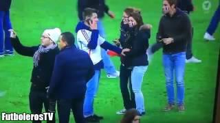 パリテロ  サッカーフランスvsドイツ戦で観客がパニック 死者100人