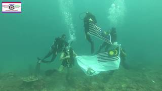 DFN: U.S. Navy Divers From MDSU-1 Dive Alongside Their Malaysian Counterparts MALAYSIA 08.16.2018