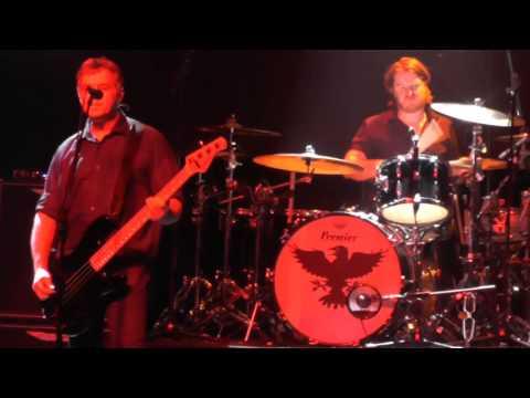 The Stranglers - Peaches (Het Depot Leuven 19/11/2015)