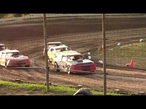 Hummingbird Speedway (9-7-19): Sunny 106.5 FM Pure Stock Heat Race #1