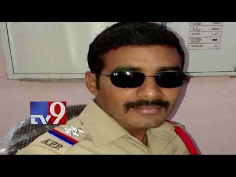 Thumbnail: SI faces jail for affair with married woman - TV9
