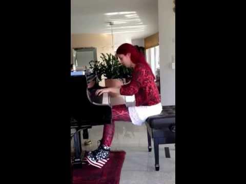 Cassandra Wyss spielt den 3. Liebestraum von Franz Liszt