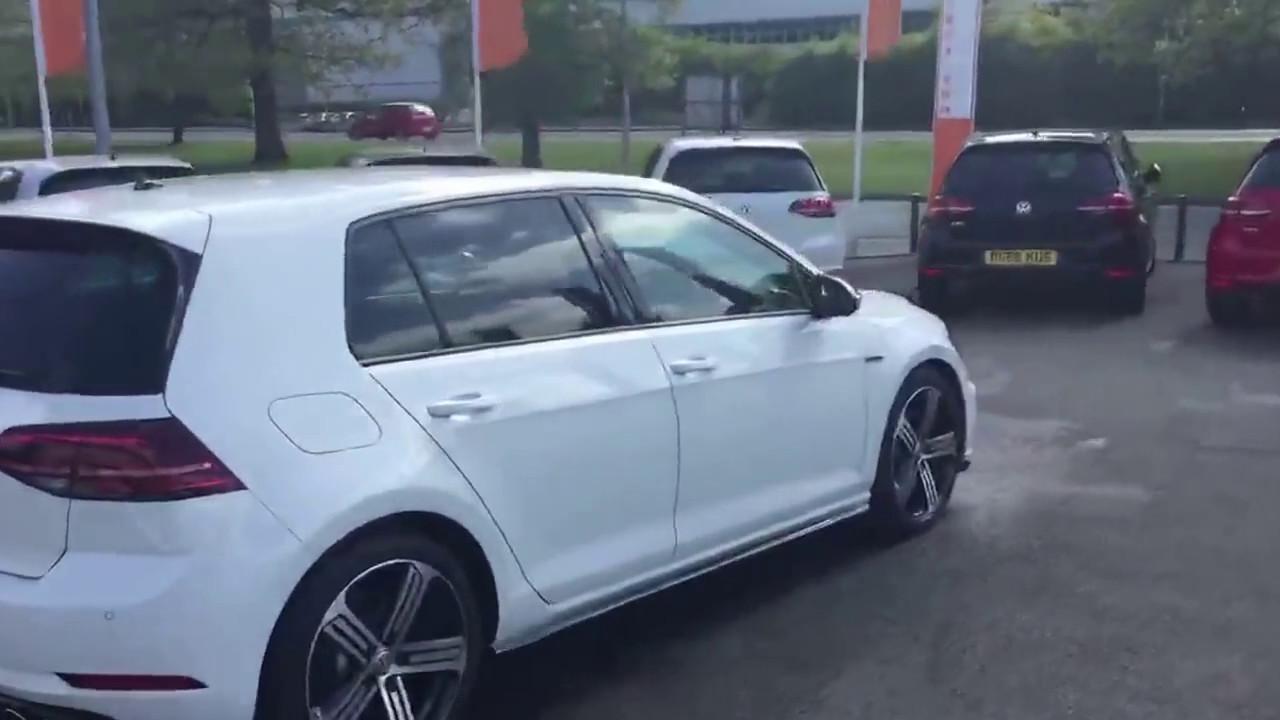 Volkswagen Golf R 5dr DSG in Pure White @ Crewe VW