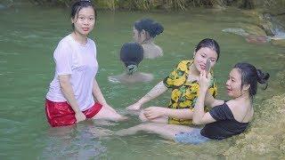 Ngắm Gái Xinh Tắm Tiên Trên Suối