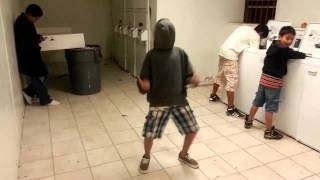 Harlem Shake in the laundry