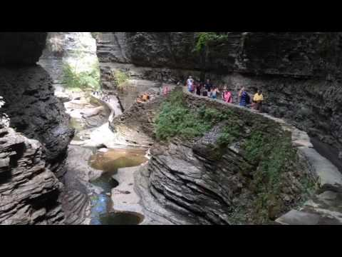 Hiking the Gorge Trail, viewing waterfalls at Watkins Glen State Park (video)