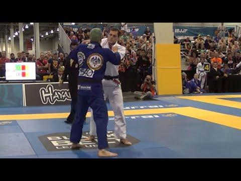"Roger Gracie VS Rodrigo ""Comprido"" Medeiros / 2015 IBJJF Black Belt League Super Fight"