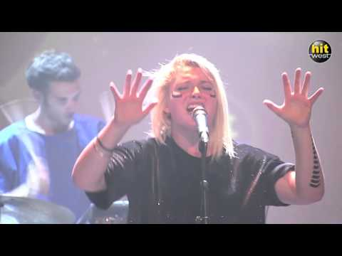 HYPHEN HYPHEN - Just need your love (Hit West - Backstage Live - Vannes 2015)
