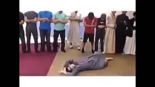 Шайтан мешает джамаату читать намаз