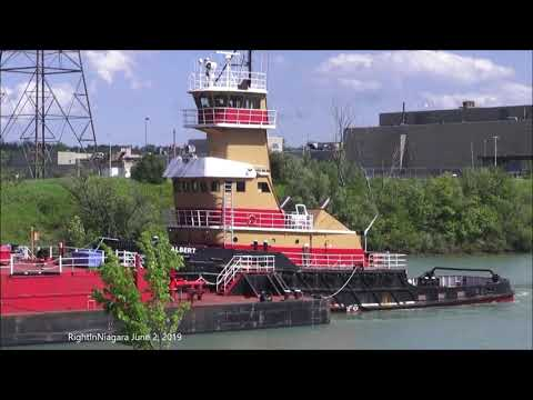 Tug ALBERT with oil barge MARGARET on Welland Canal