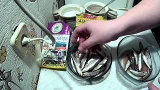 Смотреть видео как солить тюльку в домашних условиях