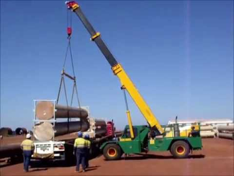 Lifting Pipes In The Pilbra Karratha