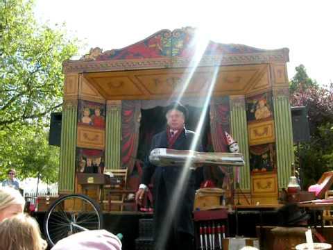 Mr Alexanders Travelling Show - Queens Park - Sep