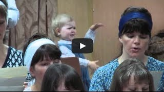 Mini maestro, little girl conducting a church choir, Kyrgyzstan: Девочка руководит хором thumbnail