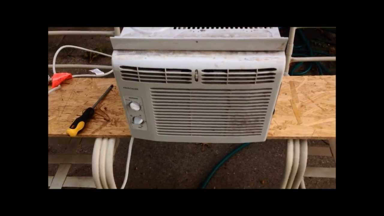 Cleaning Out A Window Air Conditioner Youtube