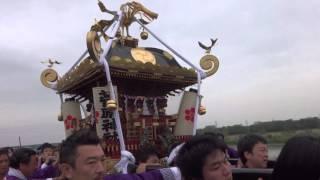 4月24日(日) 夕刻、相模川側道にて相模川の水を神輿にかける禊神事 ...