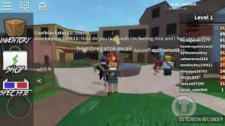 Playing Roblox Marder Mistery