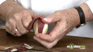 How to Peel Usİng a Kitchen Knife