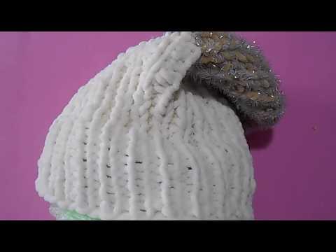 Видео: Забавная шапка из плюшевой пряжи / Вязаная шапка спицами