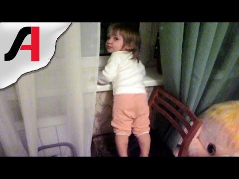 Когда ребенок начинает говорить? Дети повторяют слова. Ребенок много говорит.