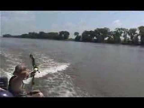 Bow Fishing Asian Carp, Relentless Pursuit
