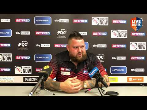"""Michael Smith on win over De Sousa: """"People said I didn't stand a chance but I'm still here"""""""