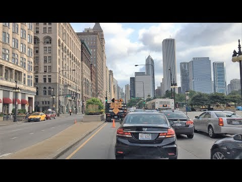 Driving Downtown - Chicago's Main St - Chicago USA 4K