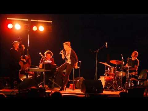 Vidéo Dolly Vanden chante le cinéma - Festival du cinéma de Deauville
