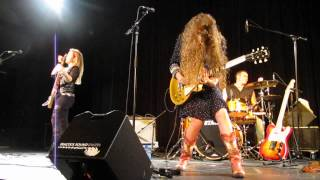 Blues-Caravan 2015 (Girls with Guitars) - Tush [ ZZ Top - Cover ]