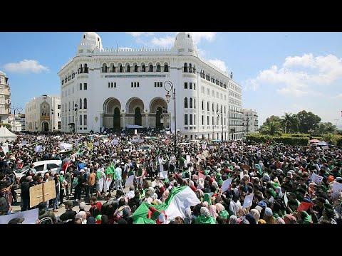 عودة المتظاهرين إلى شوارع الجزائر وسقف المطالب يرتفع  - 18:54-2019 / 4 / 19