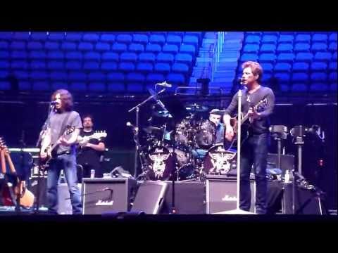 Bon Jovi - Sound Check : We Weren't Born To Follow - Orlando May 15 2011