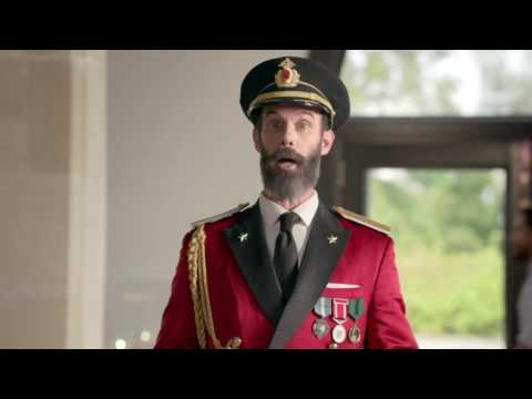 (HD) Hotels.com - Captain Obvious [v2, Skipping off] (2016, USA)