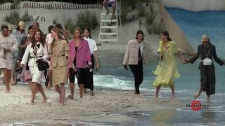 CHANEL SS2019 Collection Fashion Runway Finale @ PFW SS19