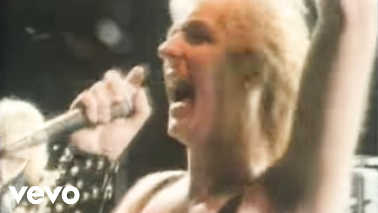 Judas Priest - Living After Midnight  Official Video